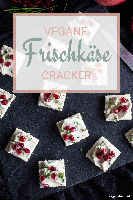 Cracker mit Cashew Frischkäse und Granatapfelkerne