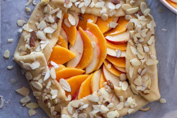 Herbstliche Galette mit Apfel und Kürbis