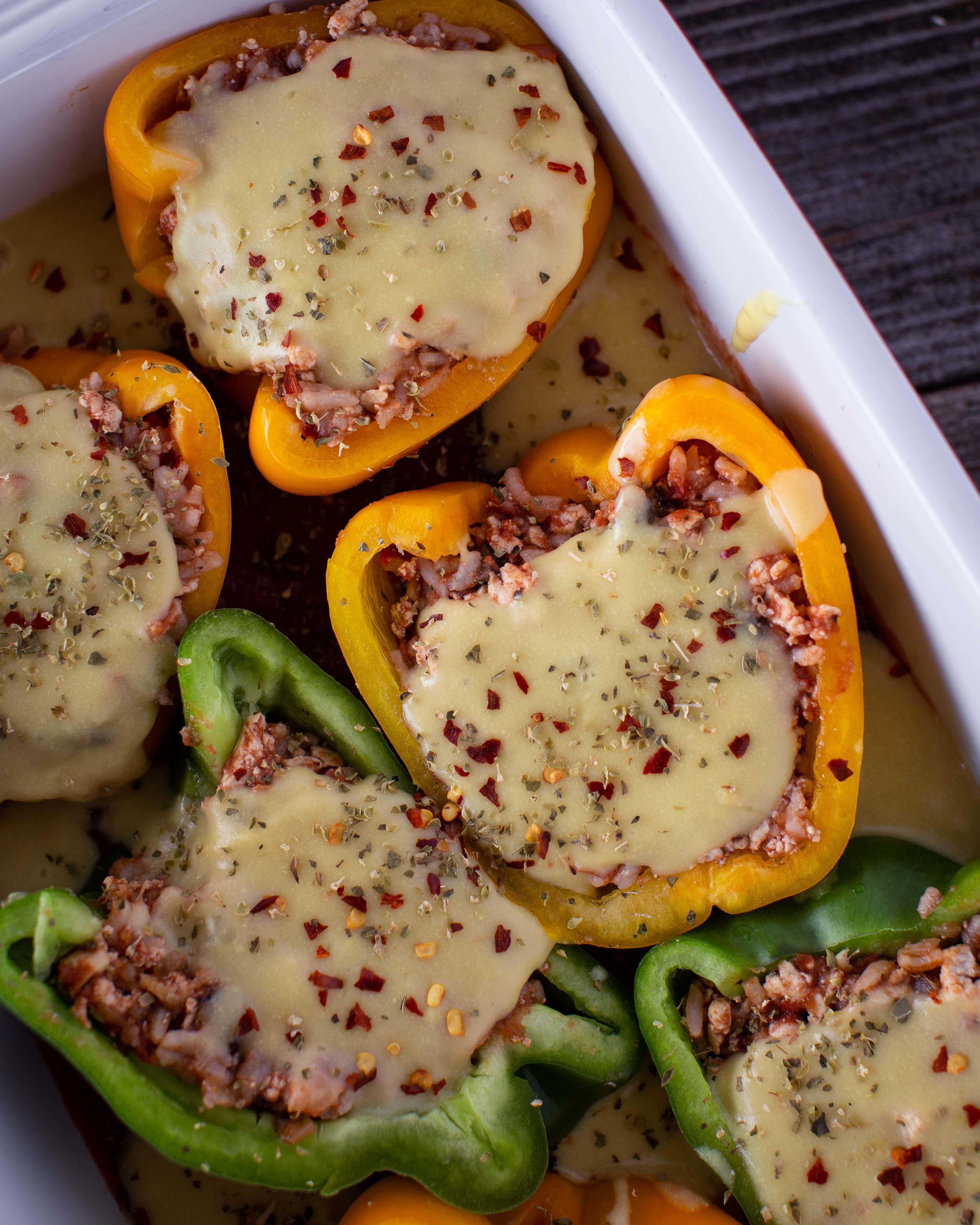 Gefüllte Paprika im Ofen gebacken