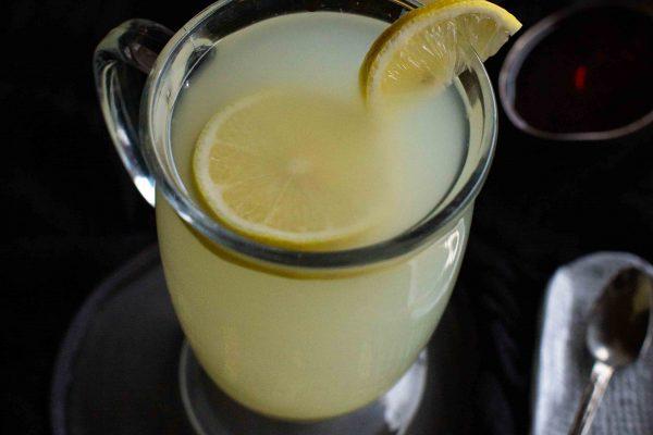 Heißer Ingwer-Zitronentee